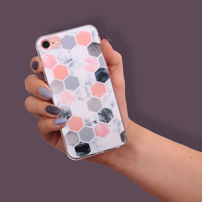 Чехол для телефона iPhone 7 с рельефным нанесением «Соты»