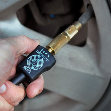 Компрессор автомобильный Беркут SPEC-15 (BERKUT Specialist) (+ Мешки для колёс в подарок!)