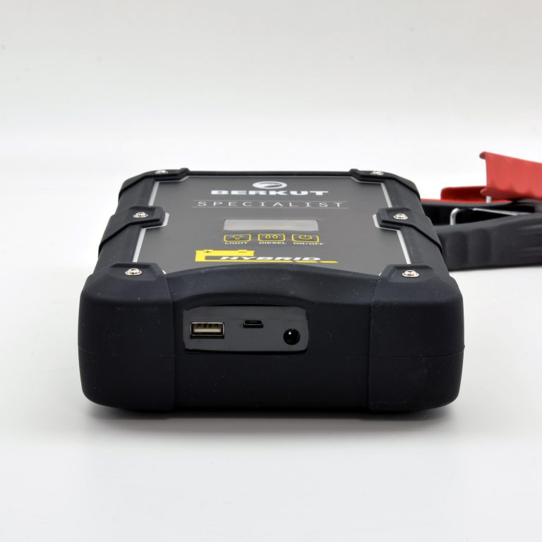 Пусковое гибридное конденсаторное устройство  BERKUT JSC-600C HYBRID (+ Антисептик-спрей для рук в подарок!)