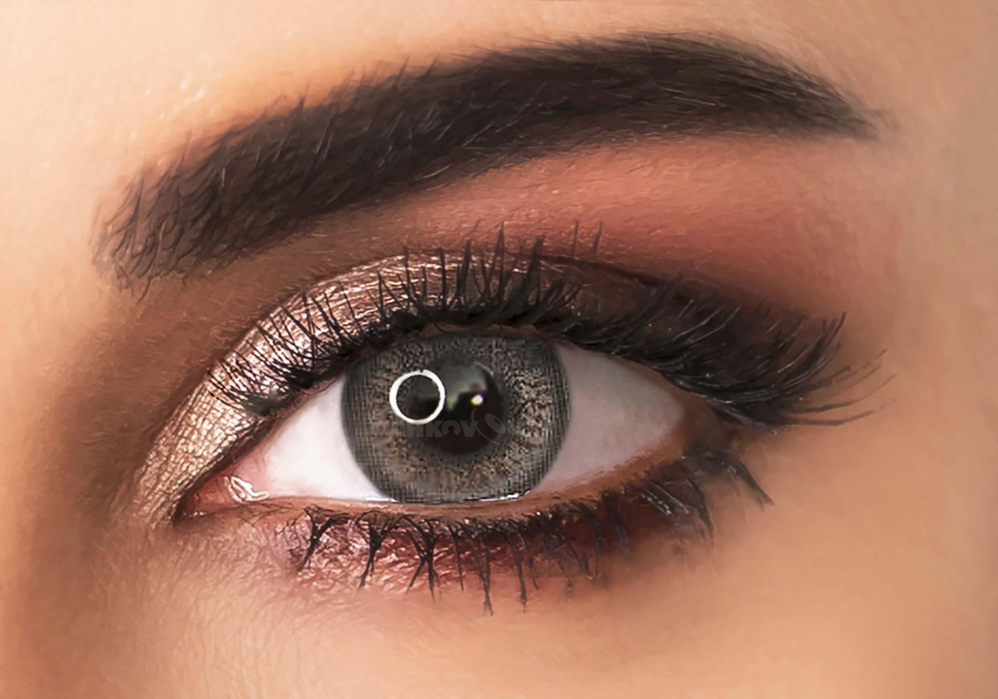 Цветные контактные линзы Adore Crystal 2 линзы + контейнер Grey
