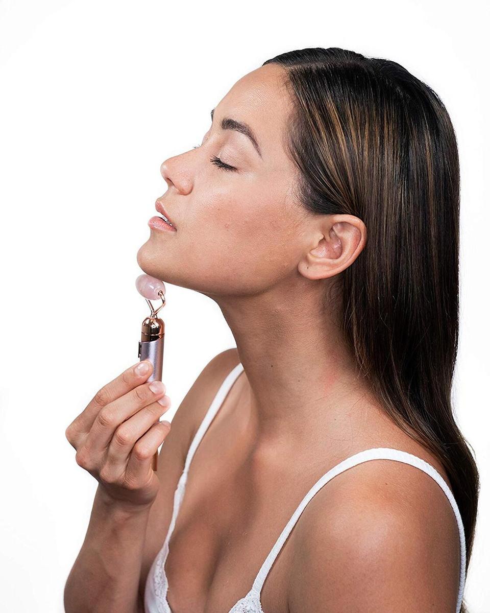 Массажёр для лица и зоны декольте Роликовый 2 насадки розовый