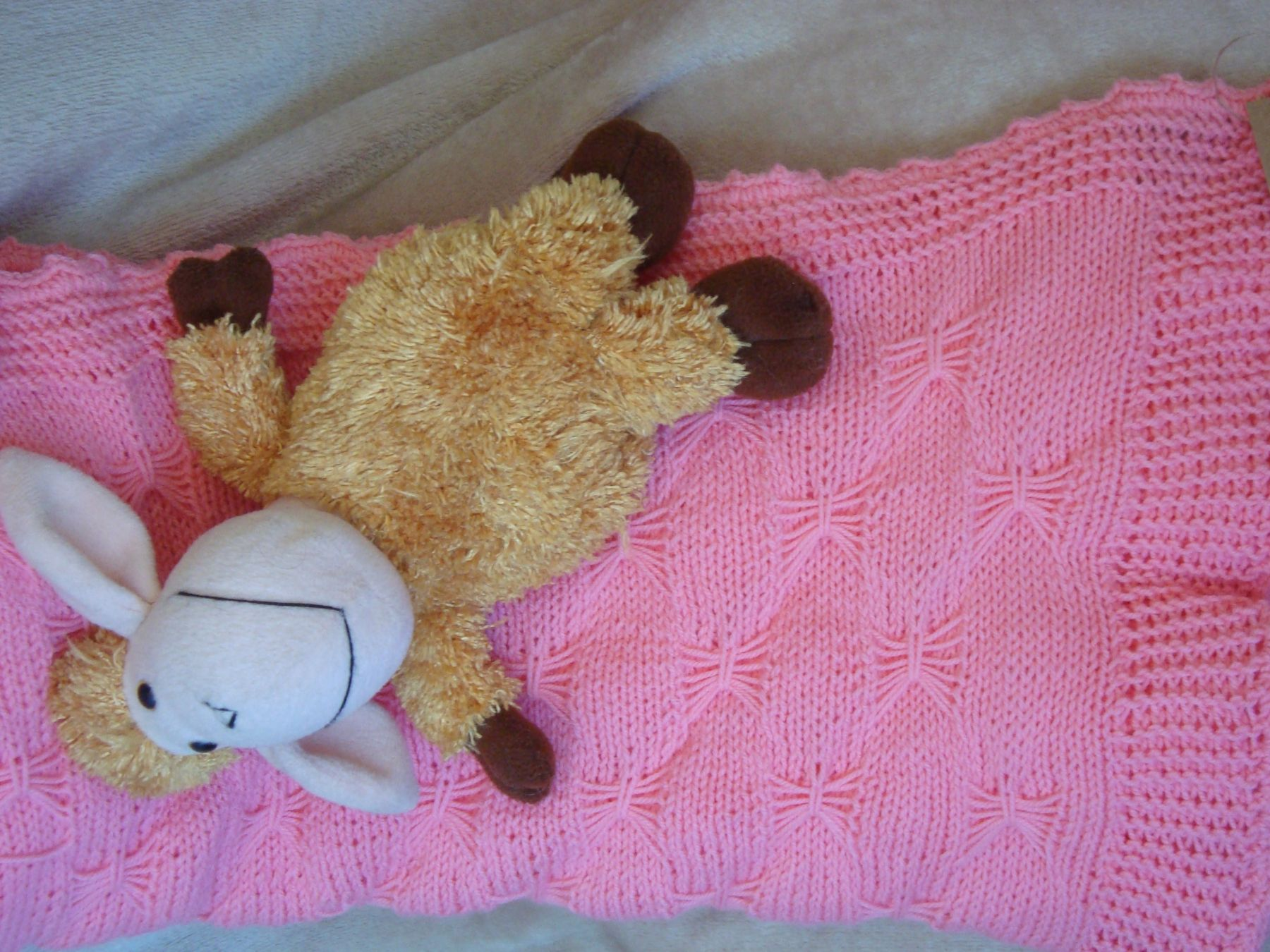 Детский вязаный плед(розовый)