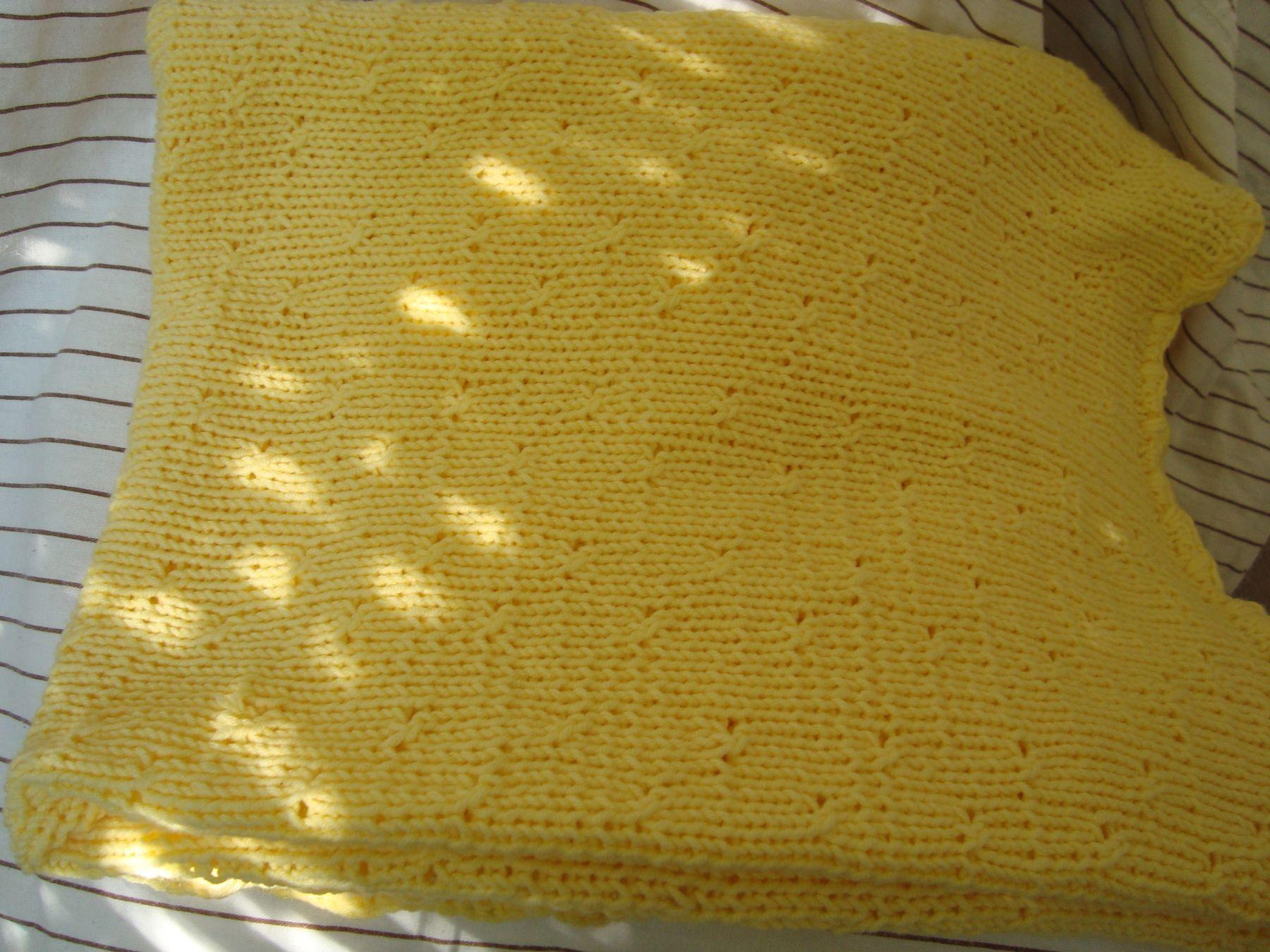 Летний вязаный плед (желтый)
