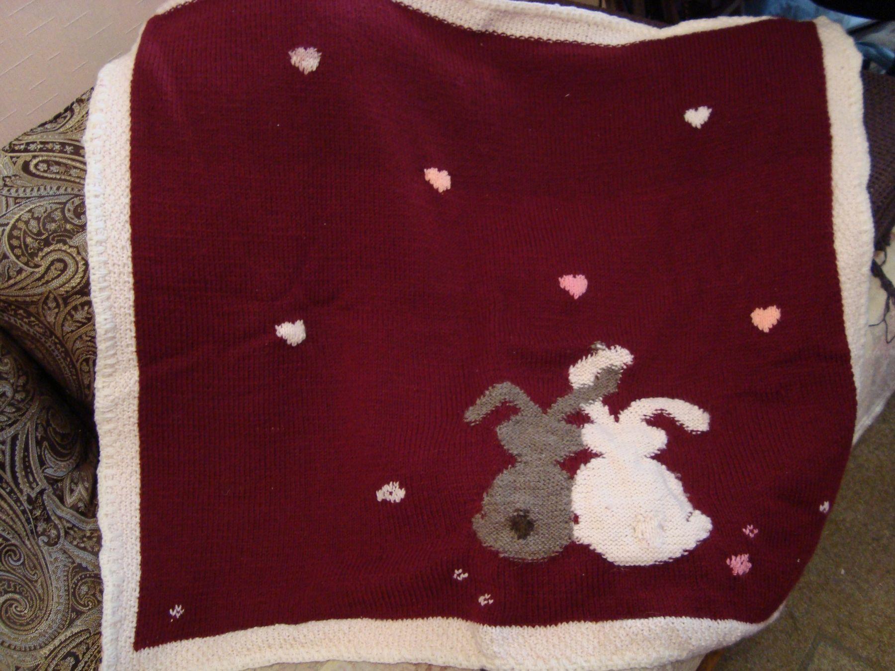 Детское одеяло с зайцами.