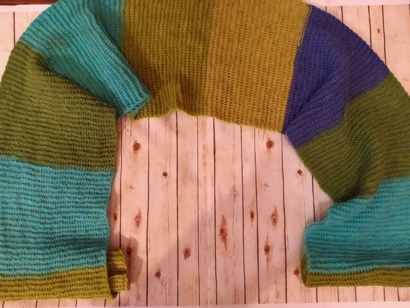 Полосатый шарф.