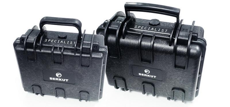 Пусковое устройство BERKUT Specialist JSC-800C (+ Антисептик-спрей для рук в подарок!)